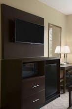Days Inn & Suites By Wyndham Cherry Hill Philadelphia