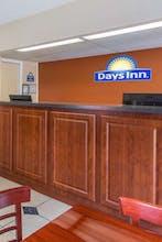 Days Inn By Wyndham Bradenton I-75