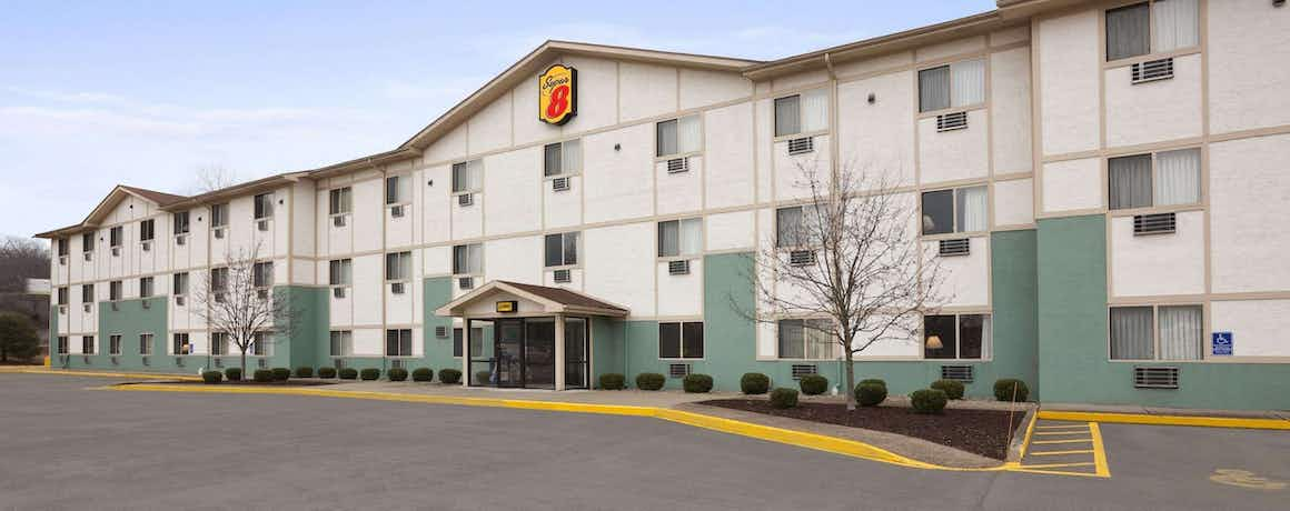 Super 8 By Wyndham, Cromwell/Middletown
