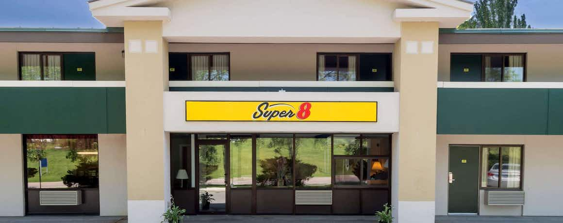 Super 8 By Wyndham White River Junction