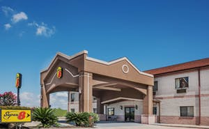 Super 8 By Wyndham, Beaumont/I 10 S Tx