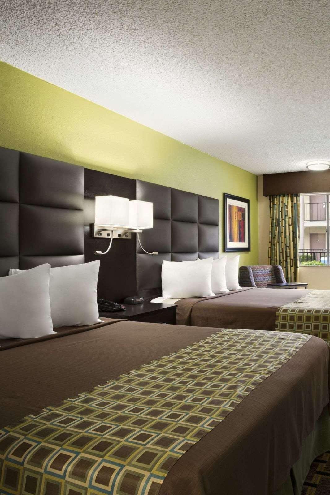 Days Inn By Wyndham Dallas Irving
