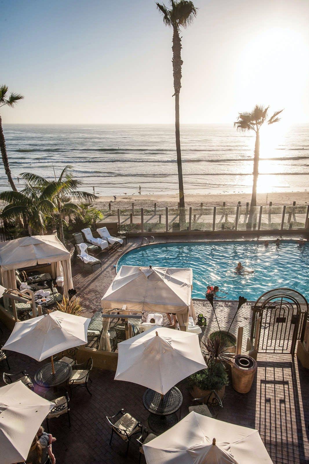 Pacific Terrace Hotel