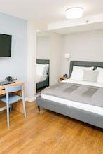Hotel 32 32