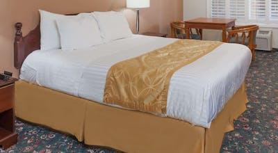 Days Inn & Suites By Wyndham South Gate