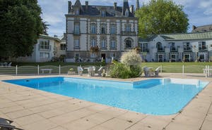Hotel The Originals Clos de Vallombreuse