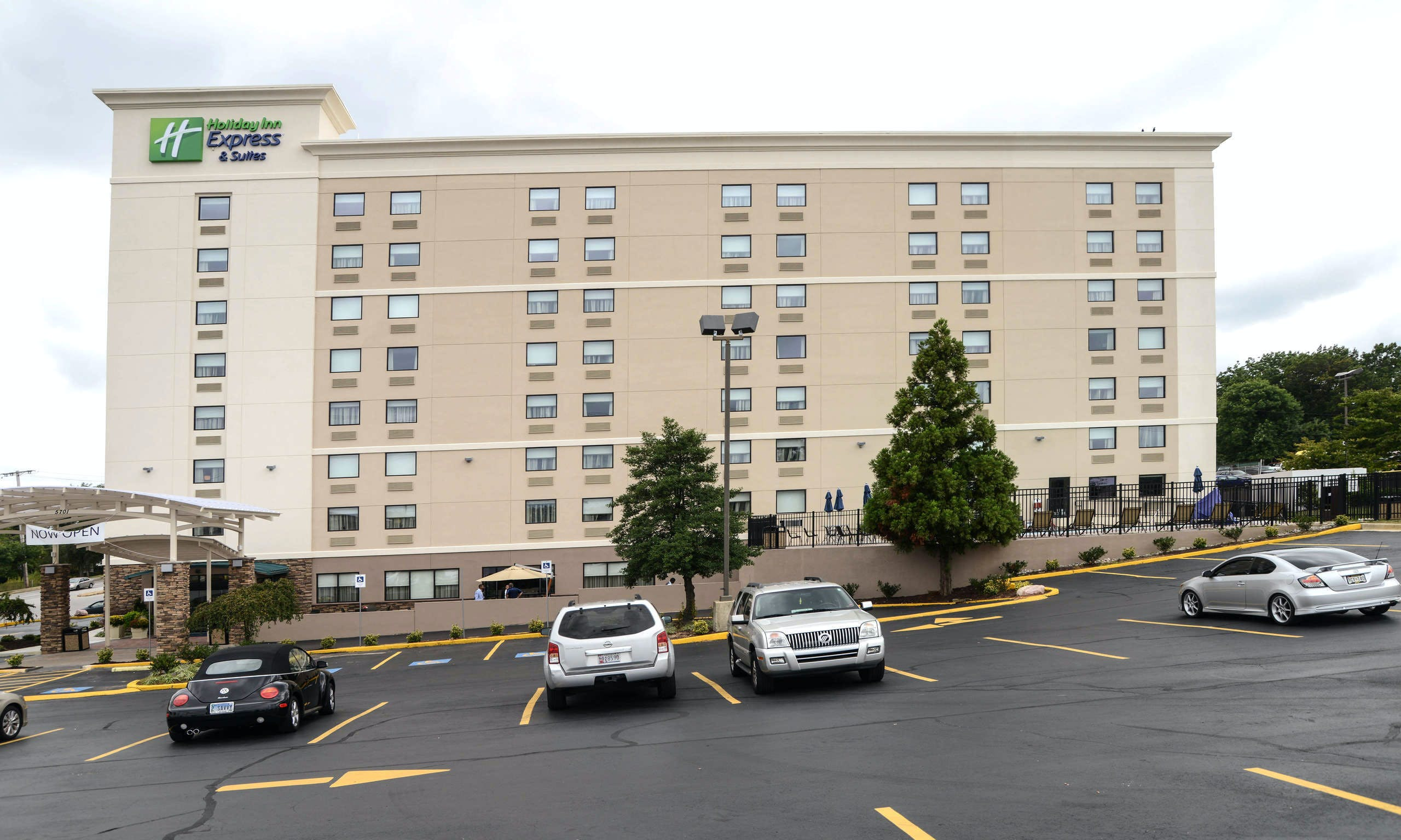 Holiday Inn Express & Suites Baltimore West Catonsville