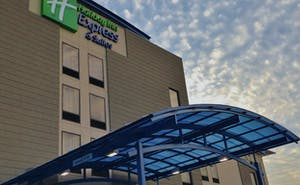 Holiday Inn Express & Suites Jackson Downtown Coliseum
