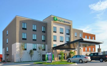 Holiday Inn Express & Suites Oklahoma City Mid Arpt Area