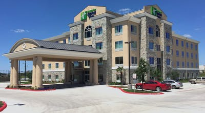 Holiday Inn Express & Suites San Antonio Se Military Dr