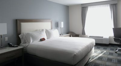 Holiday Inn Express & Suites San Diego Hotel Circle