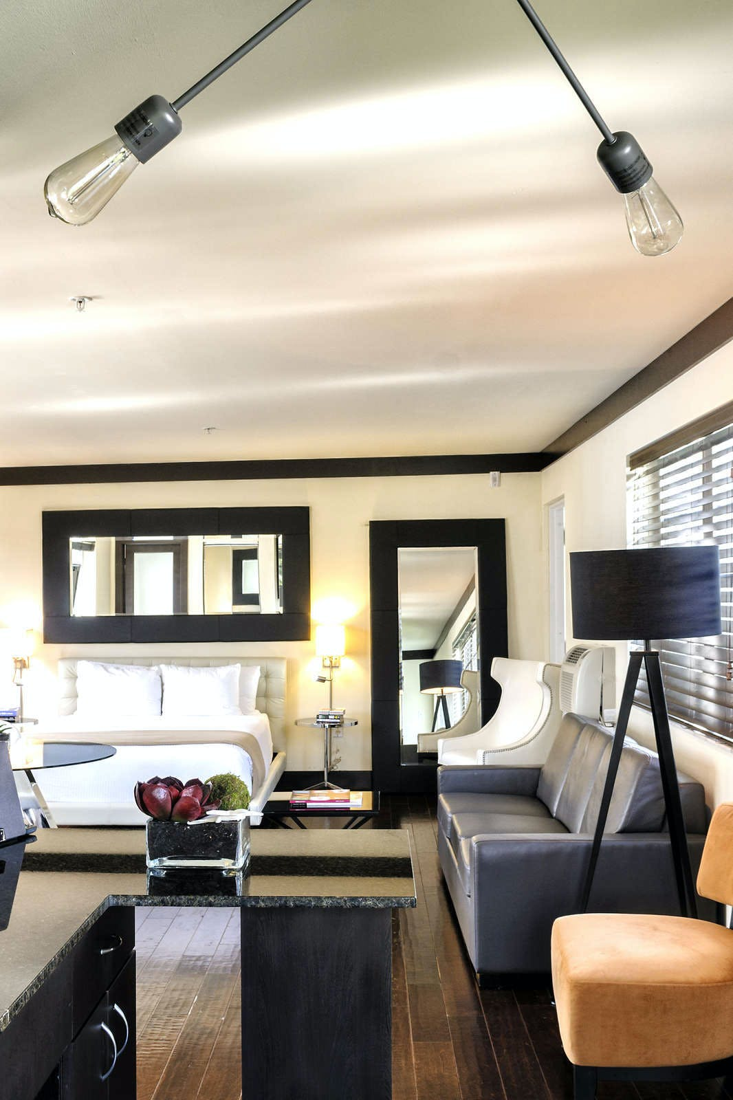 Lincoln Arms Suites