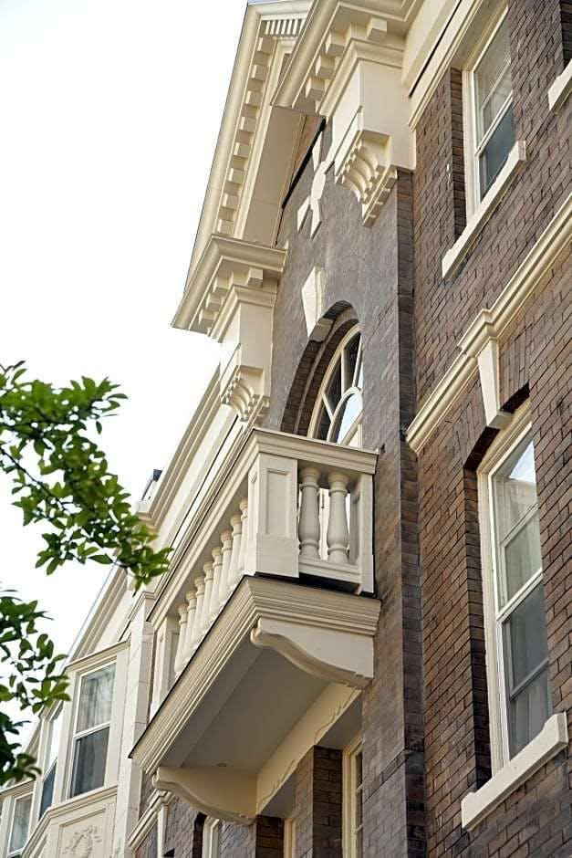 Victorian Hotel
