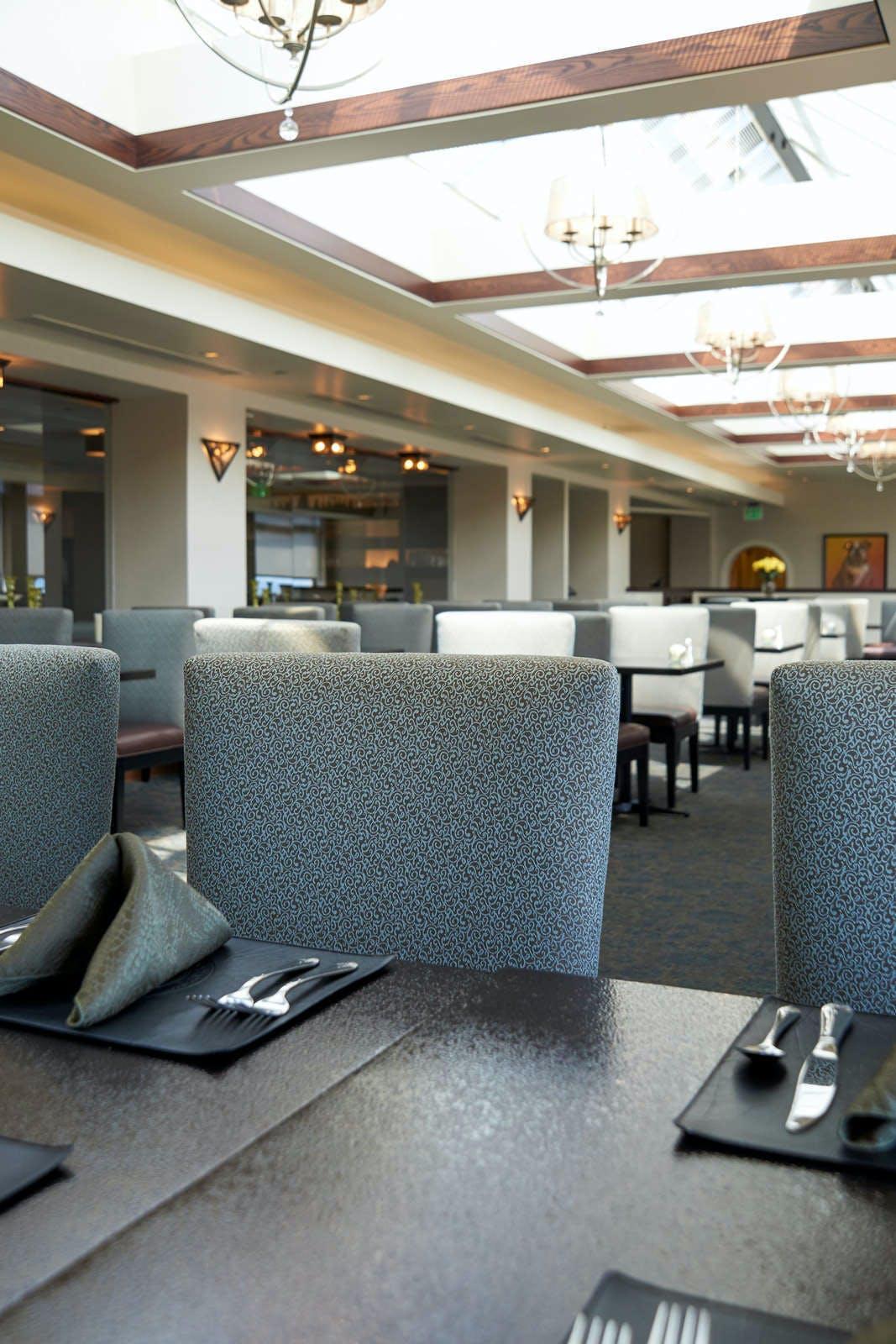 Marines' Memorial Club & Hotel