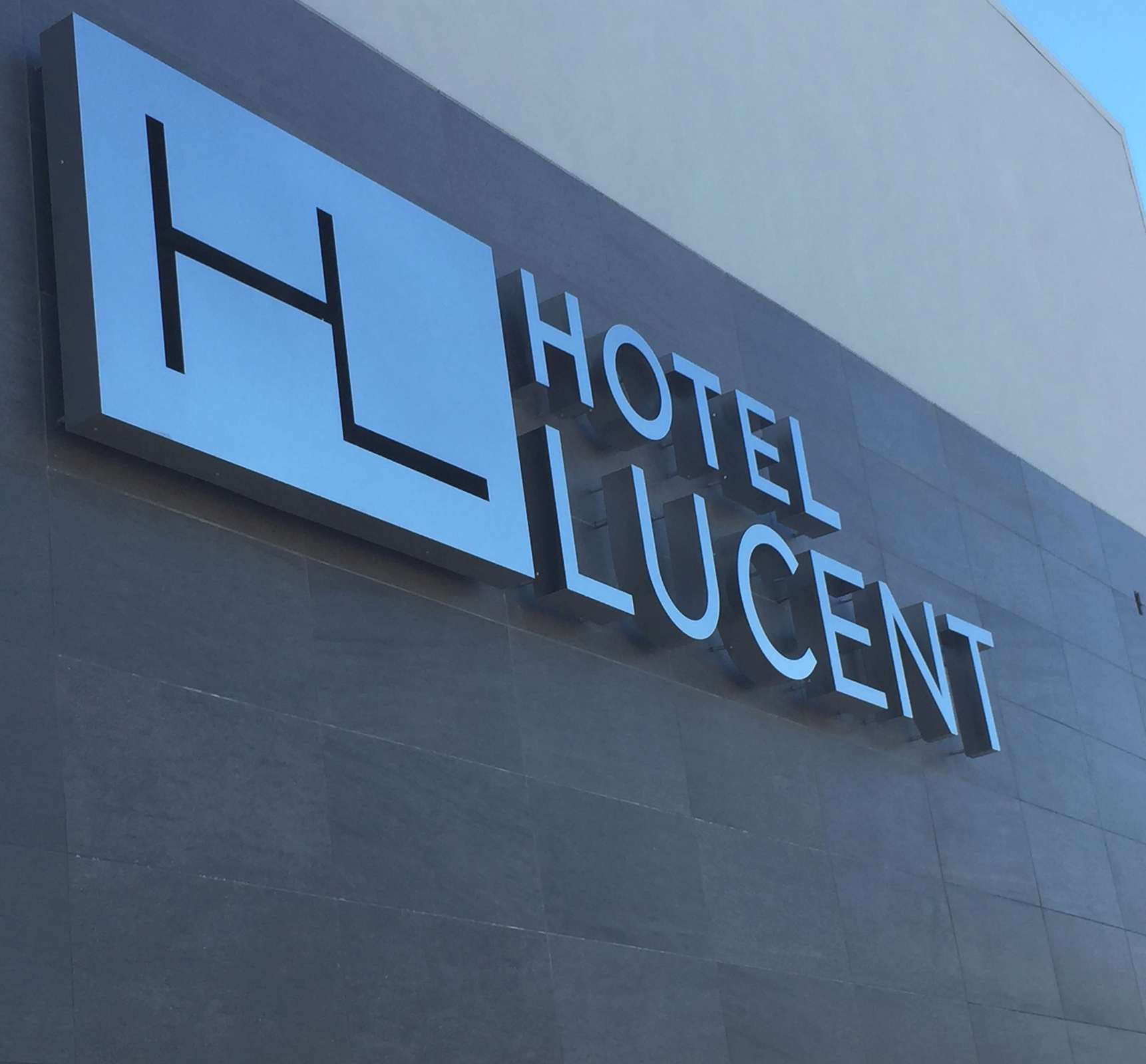Hotel Lucent