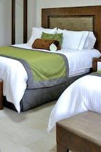 Aurea Hotel and Suites