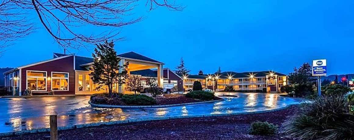 Best Western Salbasgeon Inn & Suites Of Reedsport