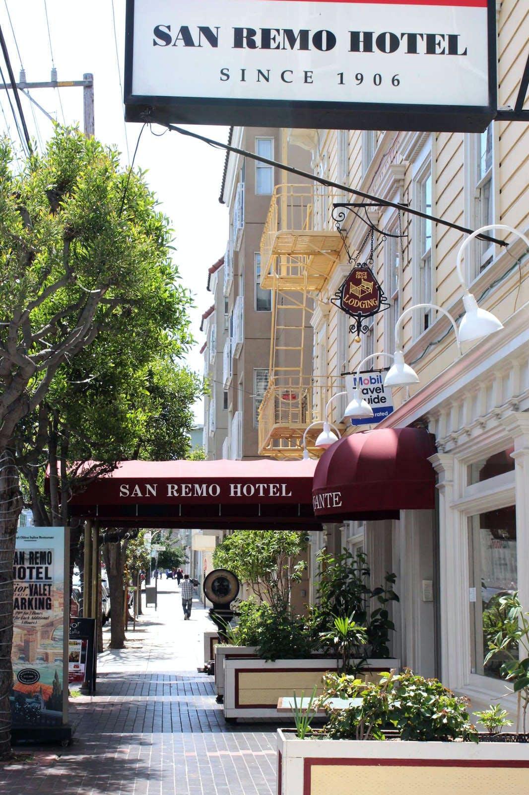 San Remo Hotel (Shared Bathroom)