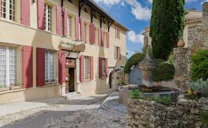 Hotel The Originals Hostellerie Le Beffroi