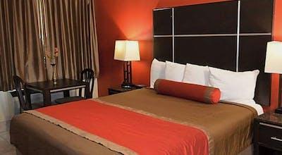 Harbor Inn & Suites