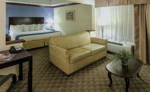 Country Inn & Suites by Radisson, Fayetteville-Fort Bragg, NC