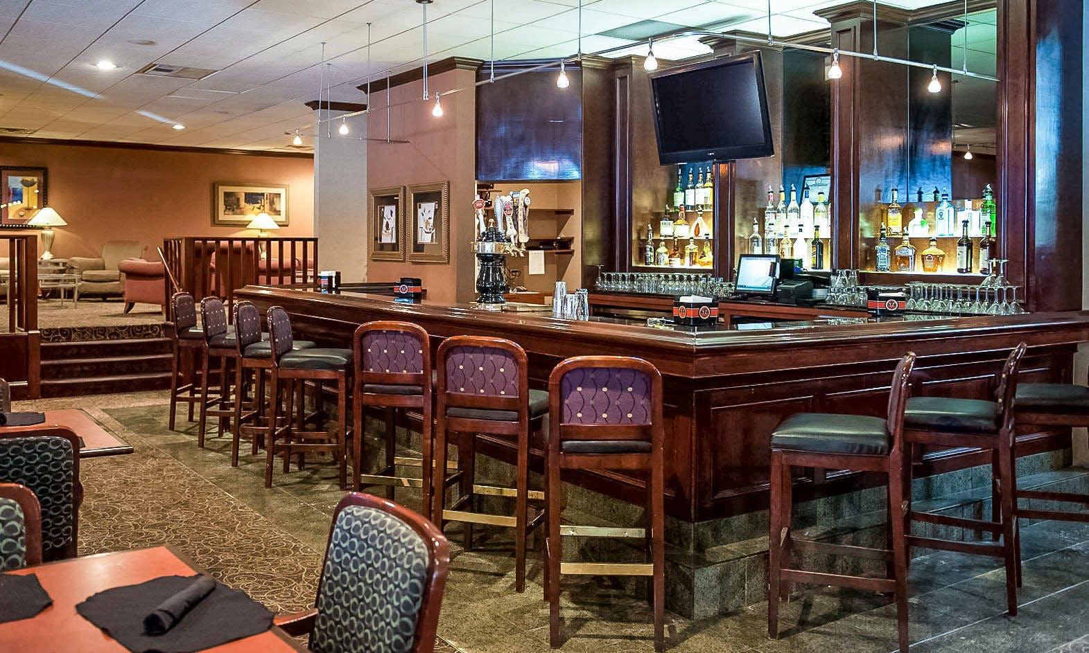 Last Minute Hotel Deals in Syracuse - HotelTonight