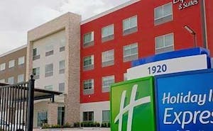 Holiday Inn Express & Suites Houston IAH - Beltway 8, an IHG Hotel