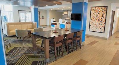 Holiday Inn Express & Suites Mishawaka - South Bend, an IHG Hotel