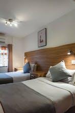 OYO Arinza Hotel