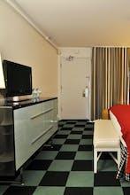 Americania Hotel
