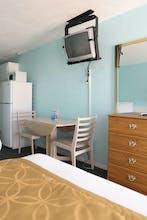 Harbor Mist Motel