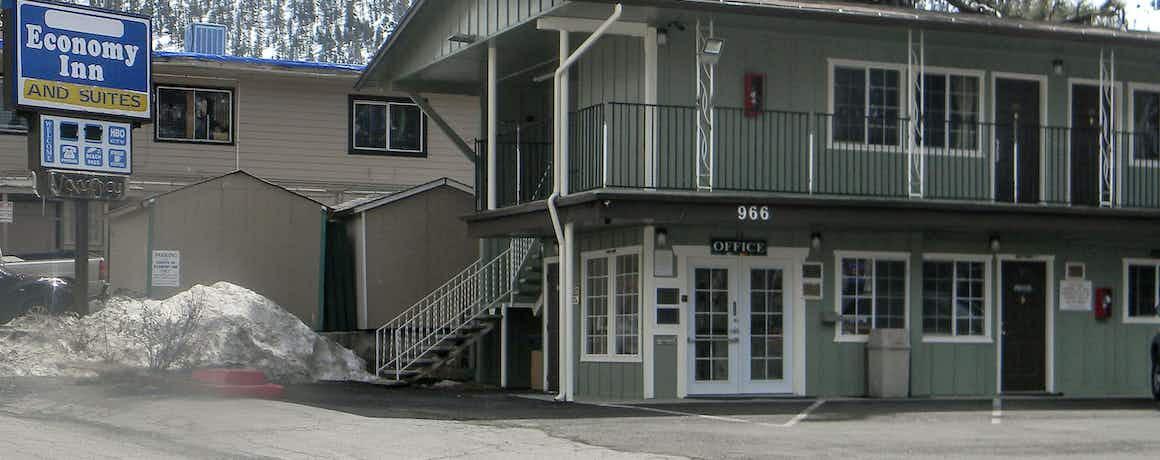 Stateline Economy Inn and Suites