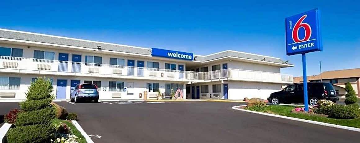 Motel 6 Pendleton, OR