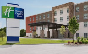 Holiday Inn Express & Suites Savannah N Port Wentworth