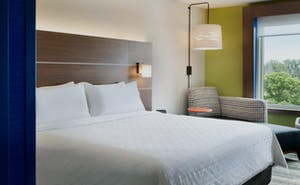 Holiday Inn Express & Suites Mall of America - MSP Airport