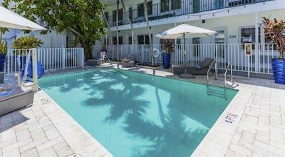 Seaside ALL Suites Hotel