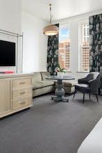 The Candler Hotel Atlanta, Curio Collection by Hilton