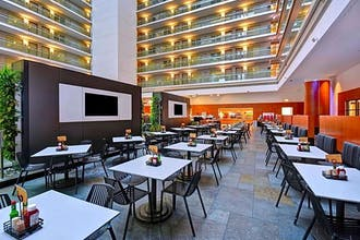 Embassy Suites Chicago Downtown Magnificent Mile