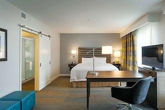 Hampton Inn & Suites by Hilton Seattle/Northgate