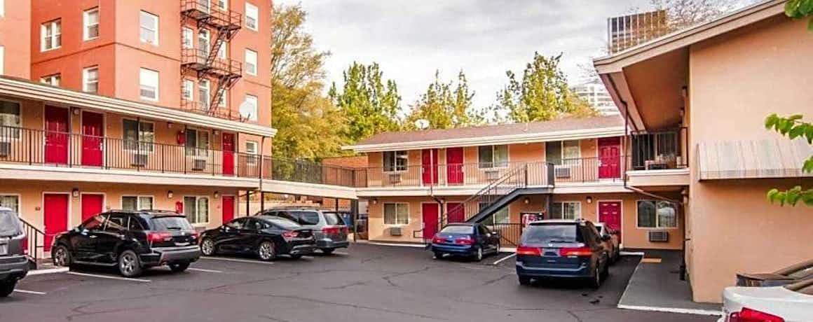 Econo Lodge Portland City Center