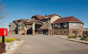 Red Roof Inn & Suites Omaha – Council Bluffs, IA